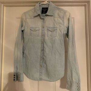 American Eagle XS denim shirt